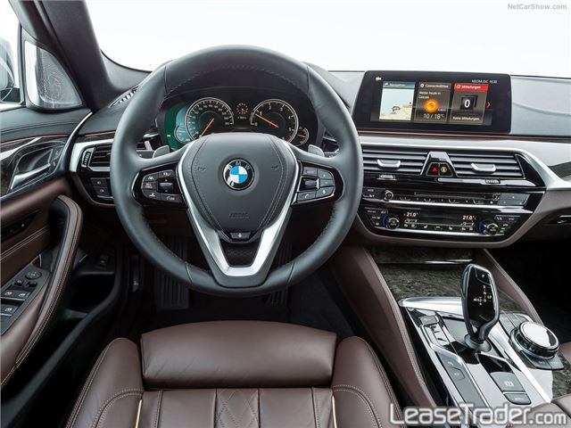 2017 BMW 530i xDrive Sedan Dashboard
