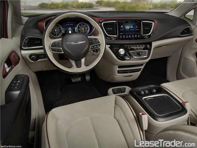 2017 Chrysler Pacifica Touring L Dashboard