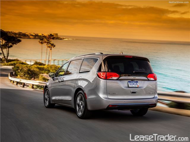 2017 Chrysler Pacifica Touring L Rear