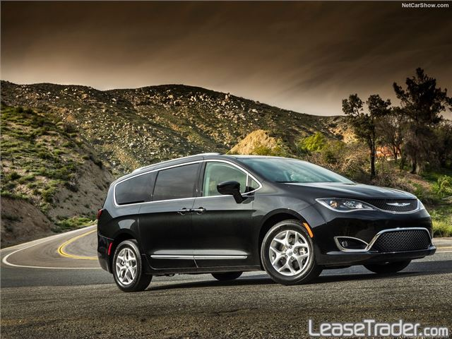 2017 Chrysler Pacifica Touring L Side