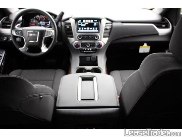 2017 GMC Yukon SLE Dashboard