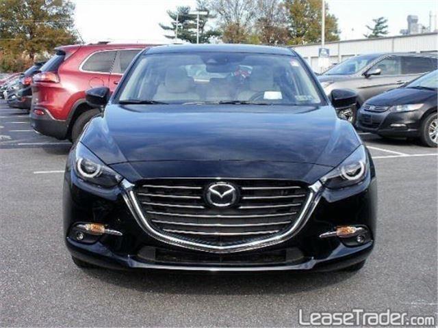 2017 Mazda Mazda3 Sport 4-DOOR Front