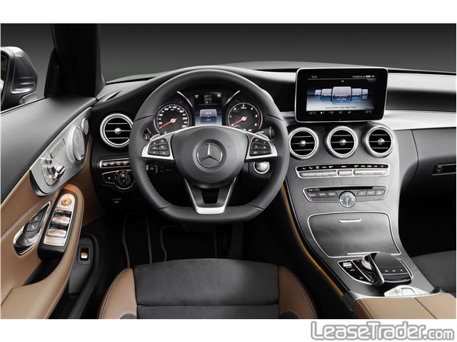 2017 Mercedes-Benz C300 Sedan Dashboard