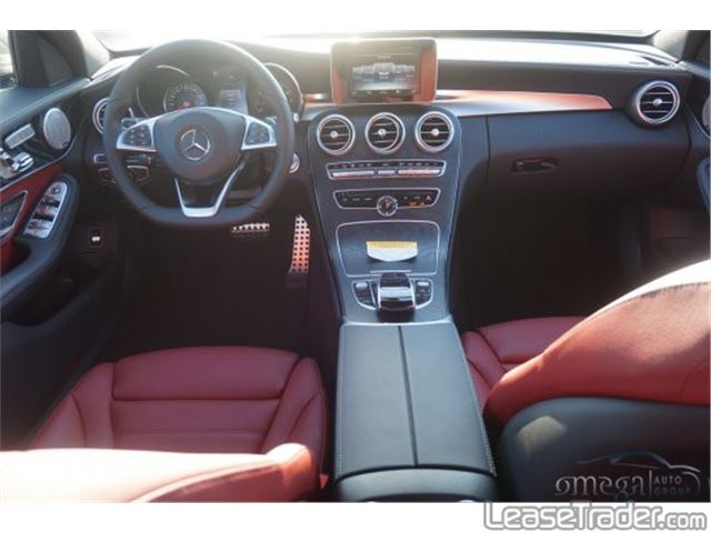 2017 Mercedes-Benz C300 Sedan Dashboard