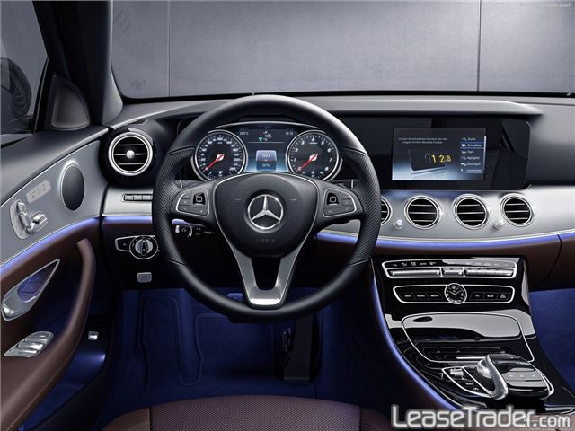 2017 Mercedes-Benz E300 4MATIC Sedan Dashboard