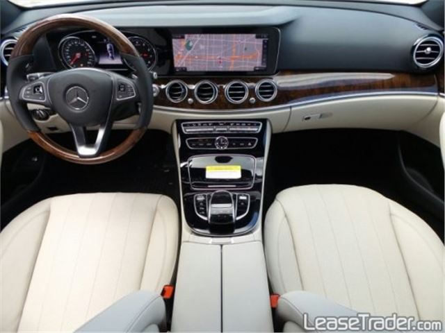 2017 Mercedes-Benz E300 Sedan Dashboard