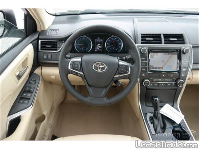 2017 Toyota Camry SE Dashboard