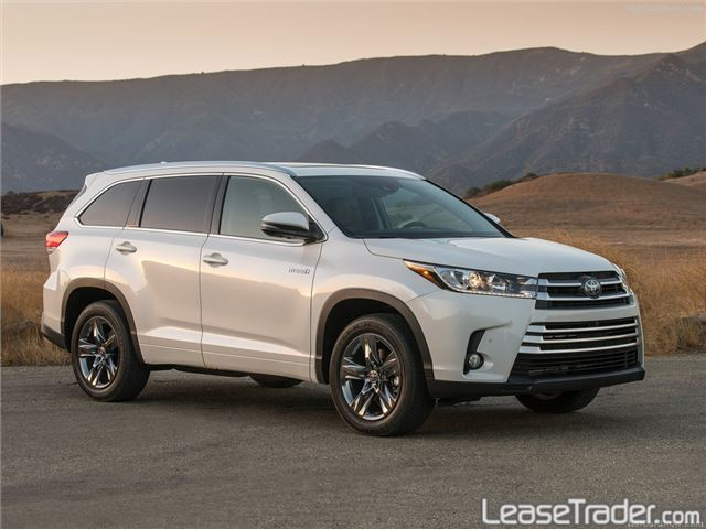 2017 Toyota Highlander LE Side