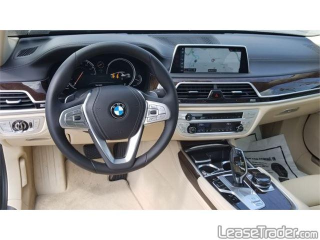 2018 BMW 740i xDrive Dashboard