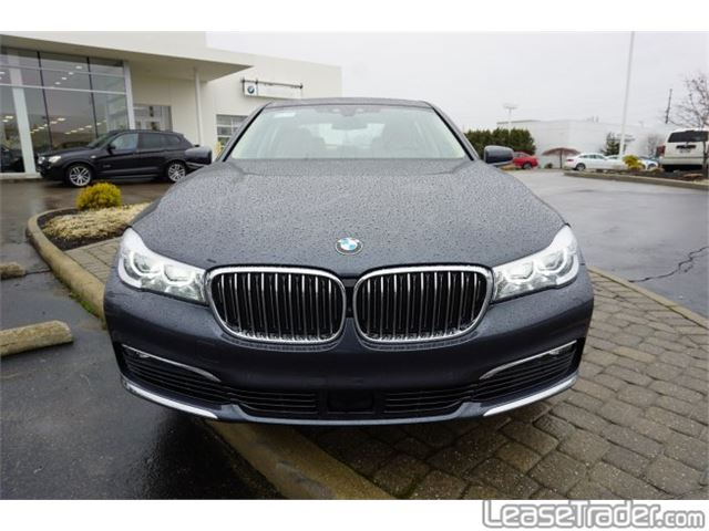 2018 BMW 740i xDrive Front