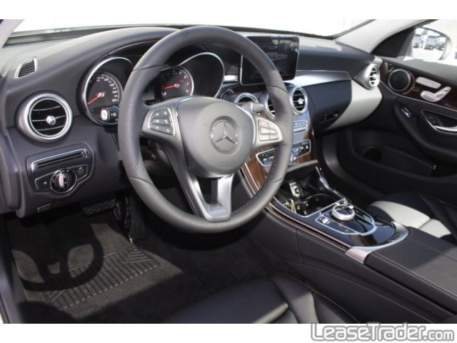 2018 Mercedes-Benz C300 Sedan Dashboard
