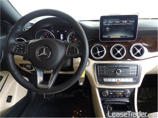 2018 Mercedes-Benz CLA250 Coupe Sedan Dashboard
