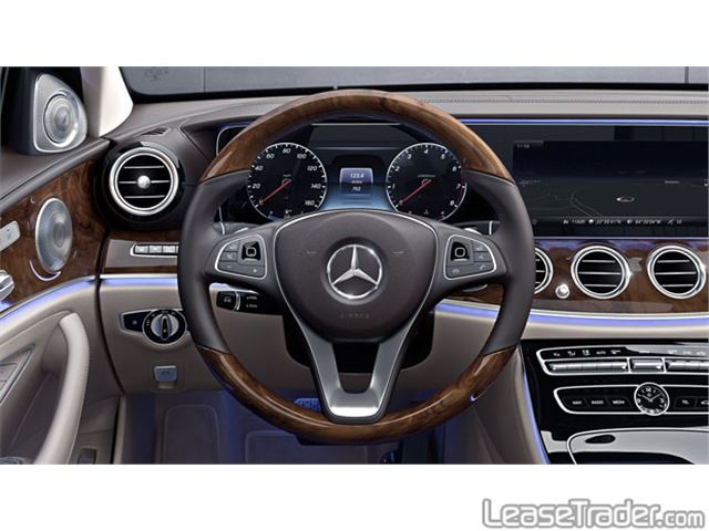 2018 Mercedes-Benz E300 Sedan Dashboard