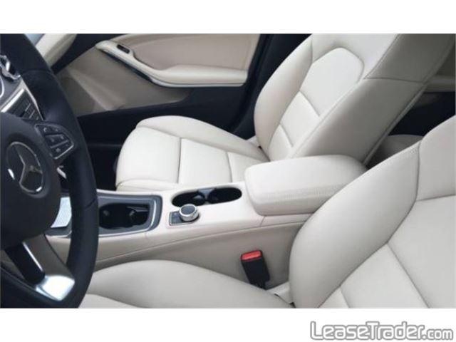 2018 Mercedes-Benz GLA250 SUV Dashboard