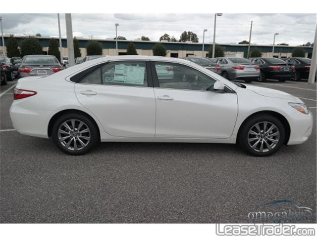 2018 Toyota Camry LE Side