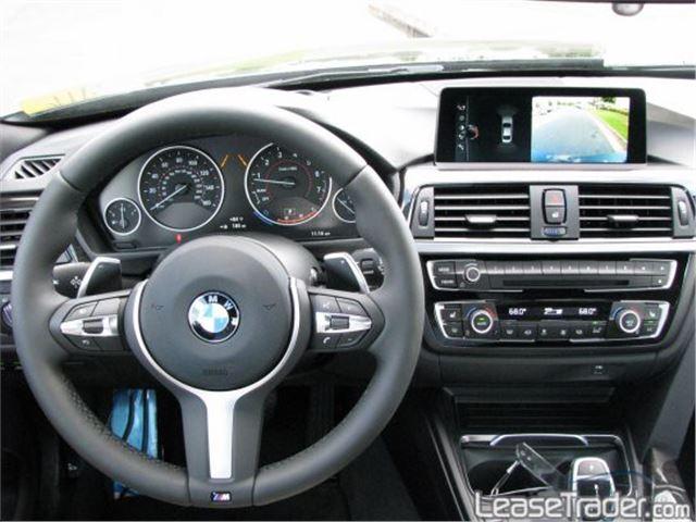 2017 BMW 320i Sedan Dashboard