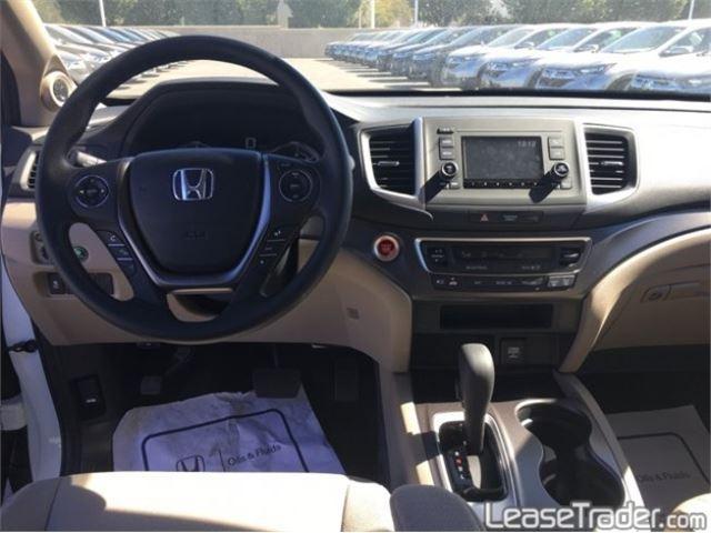 2017 Honda Pilot LX Dashboard