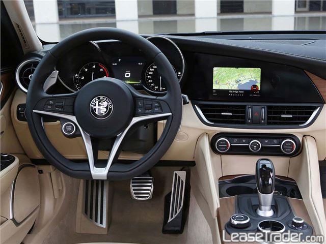 2018 Alfa Romeo Giulia Sedan Dashboard