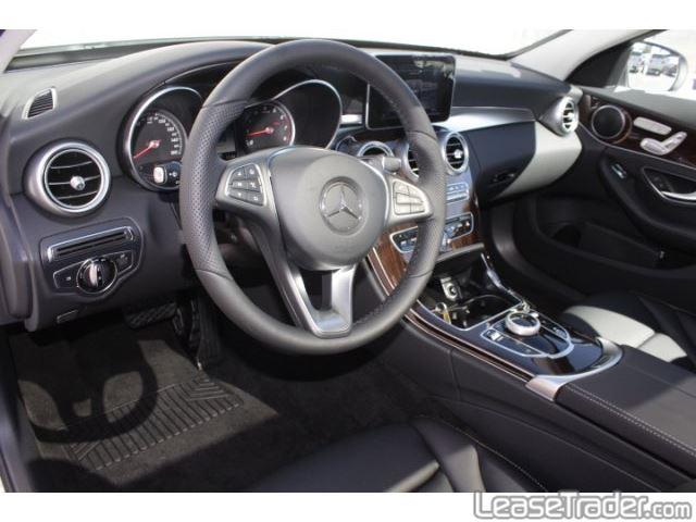 2018 Mercedes-Benz C300 Sedan Dashboard