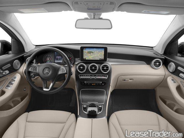 2018 Mercedes-Benz GLC300 SUV Dashboard