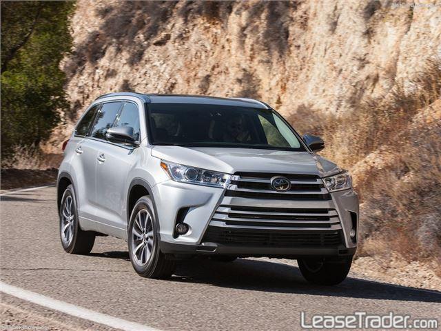 2018 Toyota Highlander LE Front