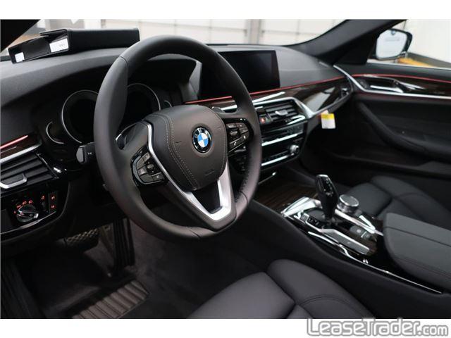 2019 BMW 530i Front
