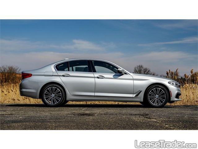 2019 BMW 530i Side