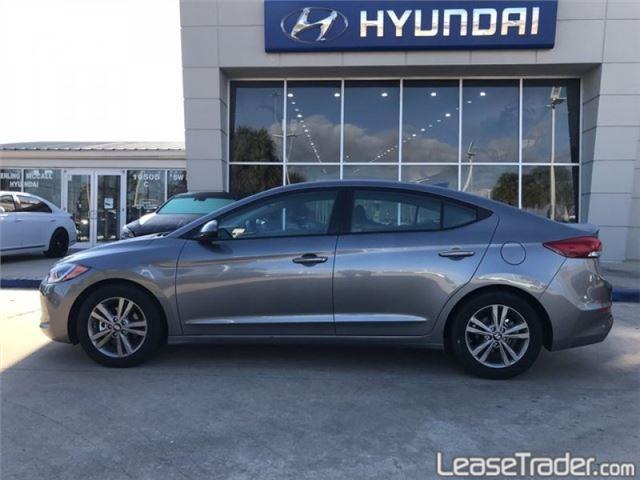 2019 Hyundai Elantra SE Side
