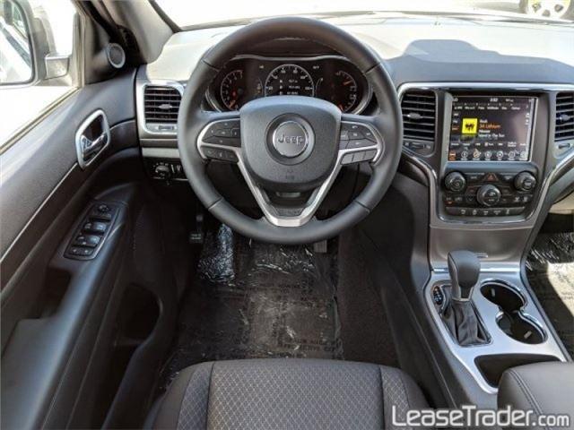 2019 Jeep Grand Cherokee Laredo Dashboard