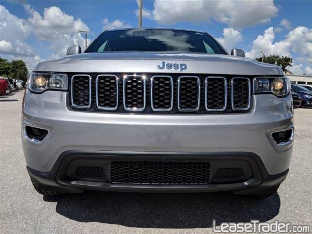 2019 Jeep Grand Cherokee Laredo Front
