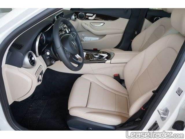 2019 Mercedes-Benz C300 Sedan Interior