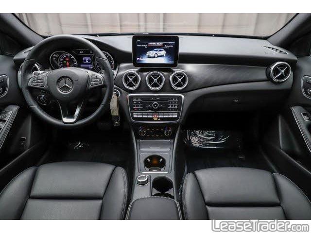 2019 Mercedes-Benz GLA250 SUV Dashboard