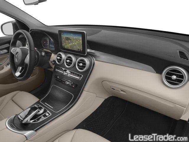 2019 Mercedes-Benz GLC300 SUV Dashboard