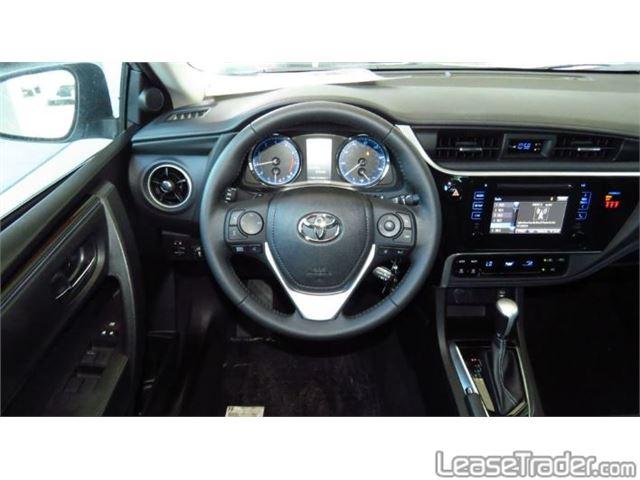 2019 Toyota Corolla SE Dashboard