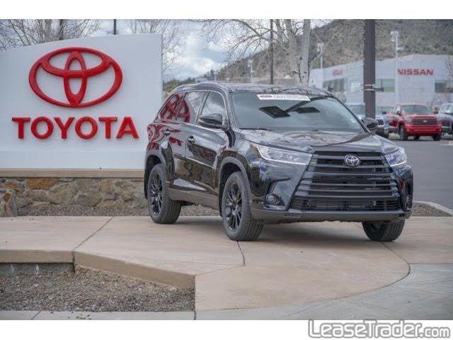 2019 Toyota Highlander LE Front
