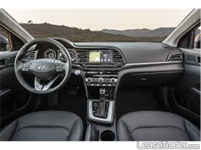 2020 Hyundai Elantra SE Interior